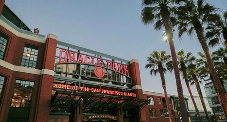 Giants hang up on AT&T, consult Oracle for new name