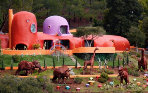 Town files lawsuit against famous Flintstone House owner