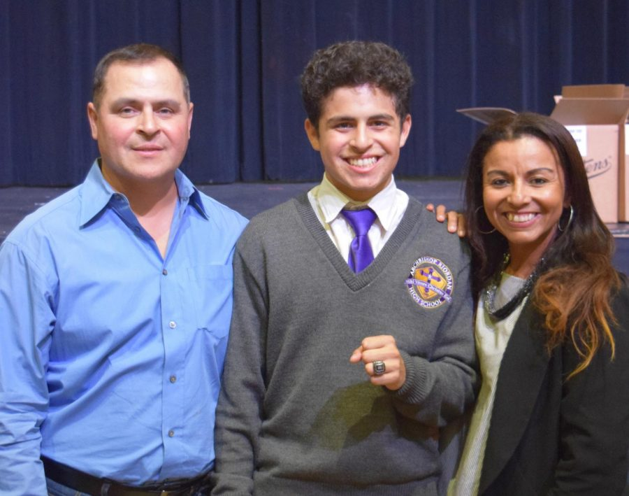 Juniors receive commemorative class ring