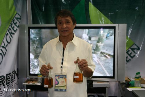 Jayme Navarro, a Filipino inventor, has found a useful method to turn plastic trash into usable fuel.