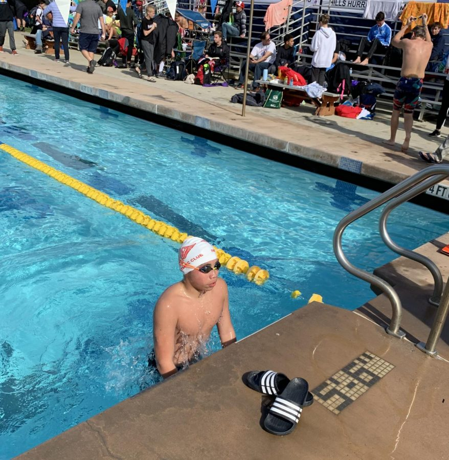 Riordan%E2%80%99s+two-member+swim+team+dives+under+the+radar